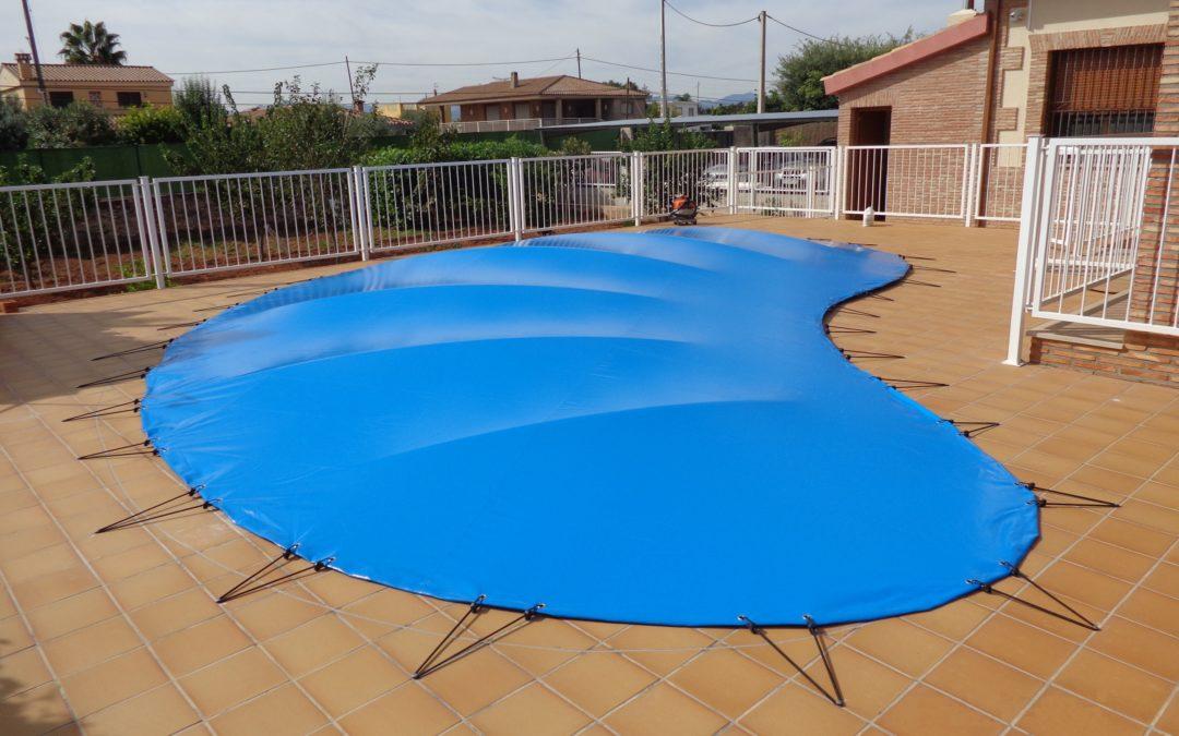 Las 'CUBIERTAS DE INVIERNO' como solución al mantenimiento y la conservación del agua de las piscinas durante el frío